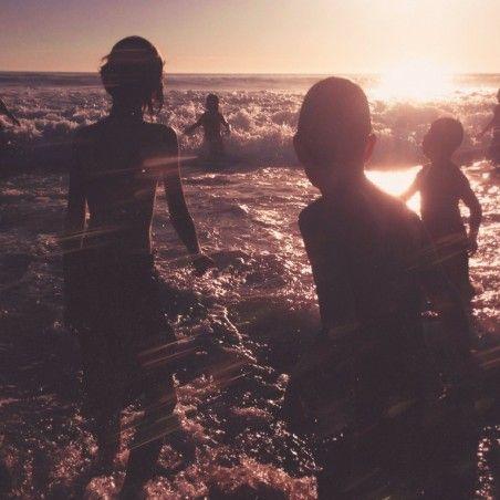 """Linkin Park anunció nuevo disco y ya estrenó su primer single Heavy   Después de un período de silencio y continuando con la tradición de reinventarse e innovar los ganadores del Premio GRAMMY como mejor artista de rock Linkin Park anunciaron hoy que un nuevo álbum de estudio el séptimo en su carrera- viene en camino. Se titulada """"One More Light"""" y estará disponible el próximo 19 de mayo en todas las disquerías del país y cuentas digitales Además la banda estadounidense de rock alternativo…"""