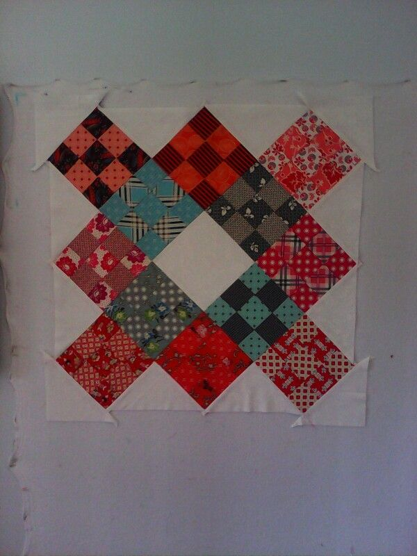 Mini quilt for a swap, its not due till Feb. Just need to quilt it now.
