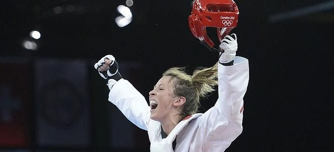 Jones wins first Team GB taekwondo gold | Team GB
