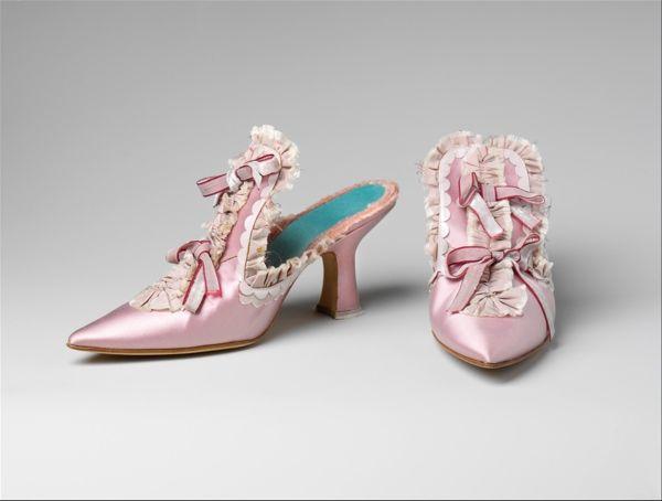 Inspiration for paper shoes    Manolo Blahnik for Sophia Coppola's Marie Antoinette, 2006