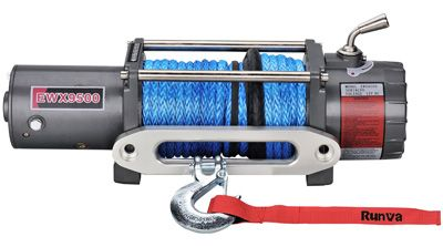 Rated Line Pull 9,500lb (4903kg) Motor – Series Wound (12V) 4.6kW/6.1hp Gear Reduction Ratio (12V) 230:1 Dyneema Winch Rope 10mm x 26.5M Overall Dimensions 540mm x 163mm x 221mm Mounting Bolt Pattern 254mm x 114.3mm