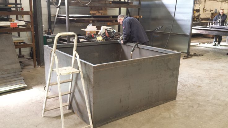 Manufactured to any size, shape and steel finish as chosen by the individual. EverEdge can proudly provide bespoke garden planters for public or private applications