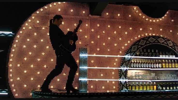 Desperado - Antonio Banderas - Cancion del Mariachi Me gusta tocar la guitarra, me gusta cantar el sol Aliana me acompana, cuando canto mi cancion. Mi Morena y Mi Amor de mi Corazon, Senora Lia