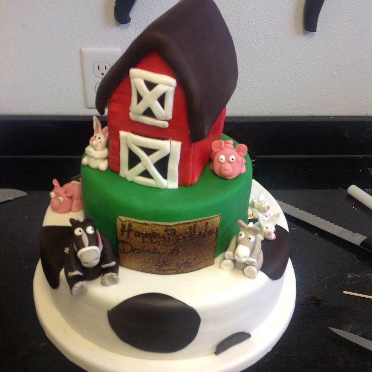 The Farm Cake, always a success with the little ones ! #yannpins