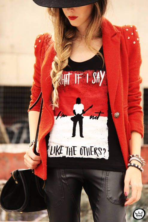 What if I say by Fashion Coolture // I need this Foo Fighters top!!!