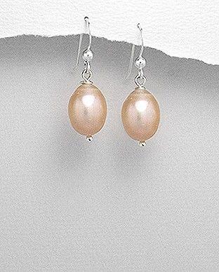http://silverstar4u.eu/index.php?id_product=187&controller=product&id_lang=2 Cercei realizati din argint 925 si perle de apa dulce. Dimensiuni: 10,5 mm x 30 mm (latime x inaltime). Disponibili si cu perle albe. Greutate: 4,4 gr.