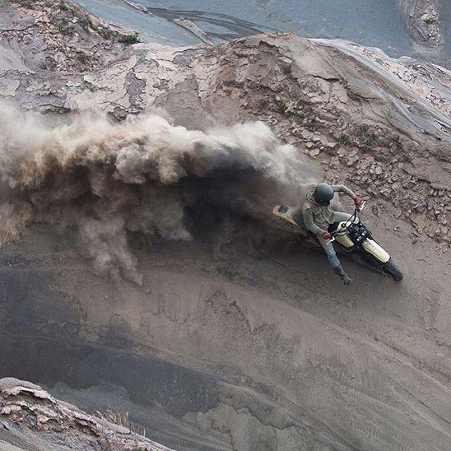 dropmoto: @harrisonsan doin' a little sandblasting. ... / Surfingbird - проводи время с пользой для себя!
