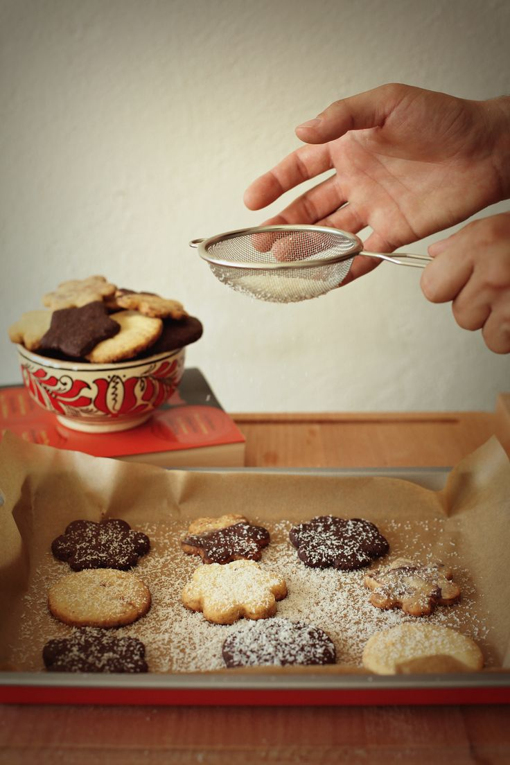 warm, buttery, shortbread cookies for a rainy spring morning. take that, oreo crave! recipe here: http://sunnysideup.ro/just-add-sleep-and-butter/