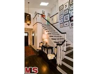 Family Photos (Tori Spelling's home)...Great Stairs