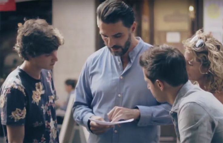 Gay tourists ask Spanish people to translate homophobic letter, their reactions will astound you