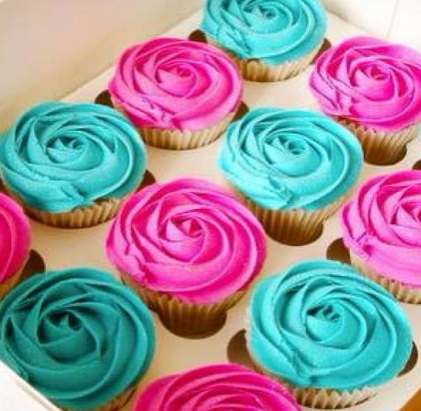 Pink and teal cupcakes yum!