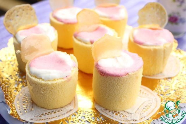 Клубничные пирожные в бисквитном стаканчике ингредиенты