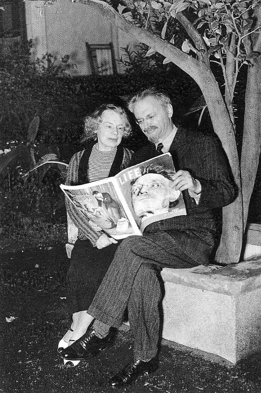 Leon Trotsky (58) and his wife Natalia in refuge in Mexico City. Francis Miller / LIFE