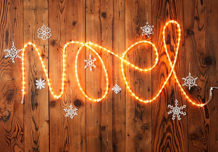 Musique de noël : découvrez la playlist des musiques de Noël adoptée par le ELLE.fr...