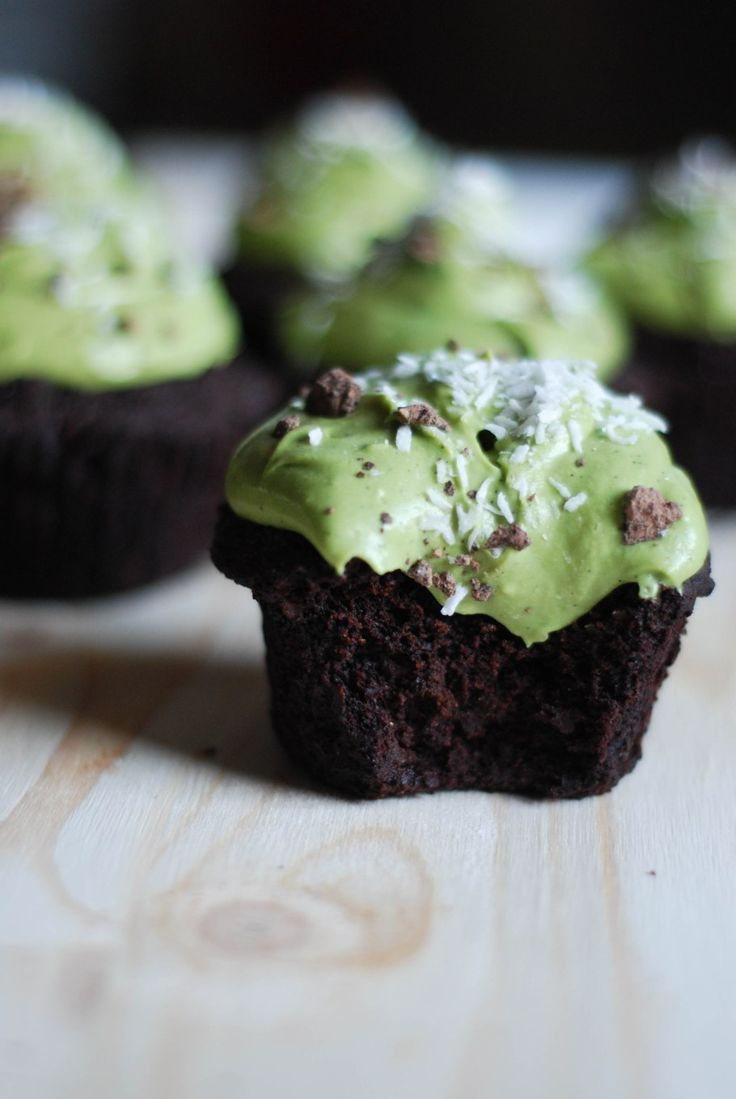 Use this recipe to make sweet Matcha Chocolate Cupcakes.