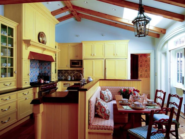 25 best ideas about yellow kitchen paint on pinterest for Country kitchen cabinet color ideas