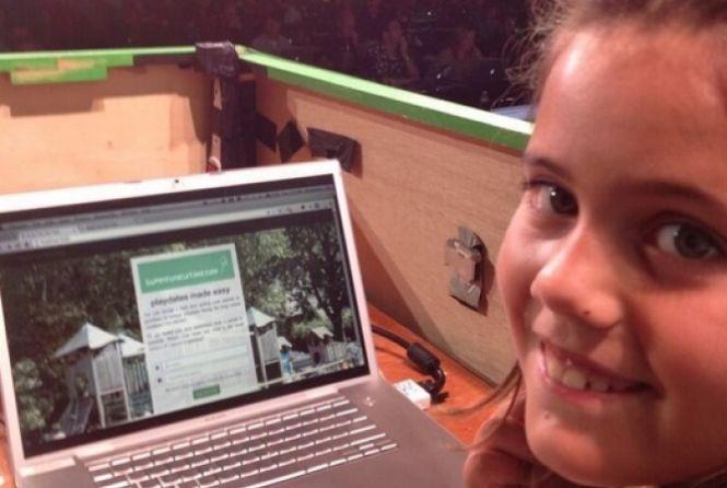 menina9anos cria rede social