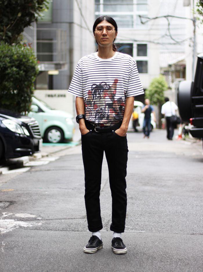 いろいろなスタイルに合わせやすいボーダーTシャツ。今回はタックインして流行のスタイルに。グラニフ流にアレンジされた 伊藤若冲が目を引く一枚です。