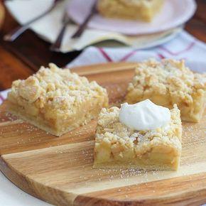 Darf es mal wieder ein Kuchen vom Blech sein? Ich habe heute einen total leckeren Apfelmuskuchen mit Streuseln für euch. Saftig durch die Äpfel und dennoch knusprig durch die Streusel. Das Rezept gibt es nun brandneu auf dem Blog. Euch allen ein schönes Wochenende! Eure Sarah #lecker #food #foodblog #foodblogger #apple #foodgasm #instafood #foodporn #foodpic #rezepte #recipes #foodie #foodstagram #cakes #foodoftheday #instapic #instagood #delicious #backen #sweets #homemade #rezepteb...