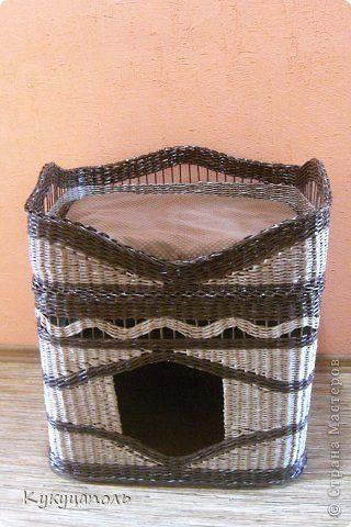 Поделка изделие Плетение Кошкин дом Бумага газетная Картон Ткань Трубочки бумажные фото 2