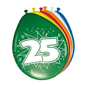 Gekleurde ballonnen 25 jaar. Deze gekleurde ballonnen hebben een opdruk met het cijfer 25 en zijn verpakt per 8 stuks. Formaat: 30 cm.