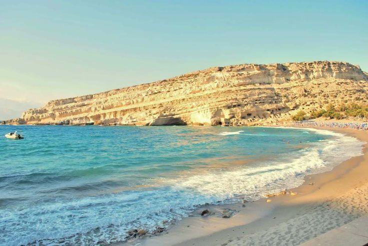 Playa de Matala en Creta, Grecia.