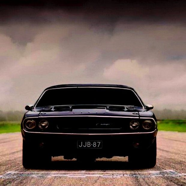 I have a stiffy for this car...pam....Black Dodge Challenger