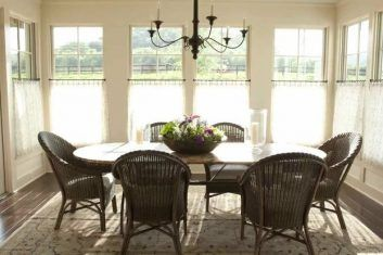 Best 25 casual dining rooms ideas on pinterest coastal for Casual dining room curtain ideas
