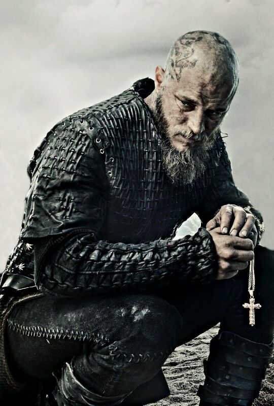 Vikings season 3. Why is he bald?????????? I love his hair ...