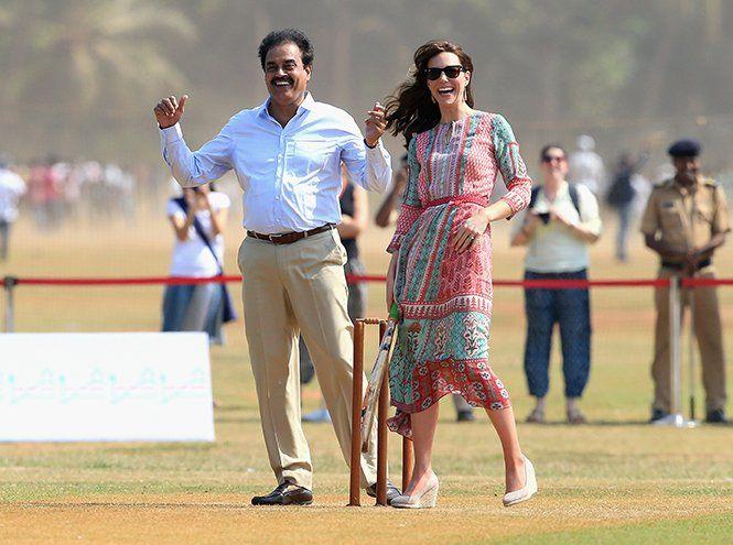 Королевский крикет: герцогиня Кембриджская сыграла в любимых туфлях на танкетке | Marie Claire