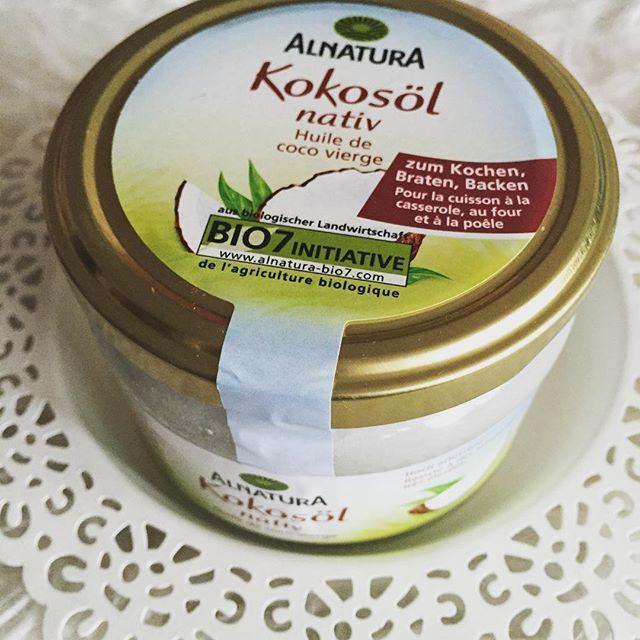 Jetzt habe ich es auch ☀️ sehr vielseitig anwendbar, es soll sogar Flöhe vom Hund fernhalten  unser liebt es und schleckt es ab  Gekostet hat es 4,25 ..Wofür benutzt ihr es ?? Vielleicht kriege ich noch ein paar Anregungen  #kokosöl #vielseitigverwendbar #naturprodukt #alnatura