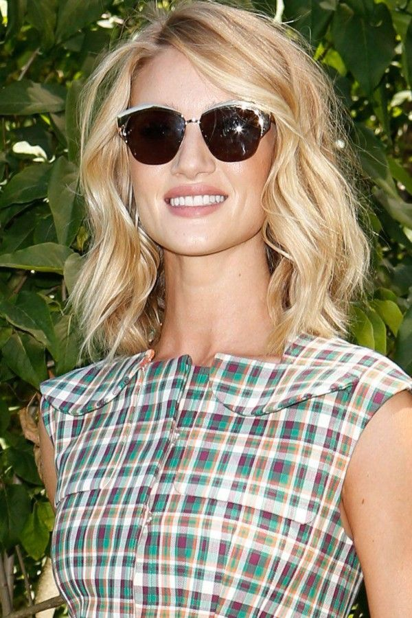 Rosie Huntington-Whiteley With Her Bob Perfectly Tousled