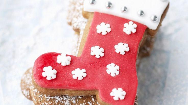 Da kommt garantiert jeder in Weihnachtsstimmung: Weihnachtliche Stiefelplätzchen   http://eatsmarter.de/rezepte/weihnachtliche-stiefelplaetzchen