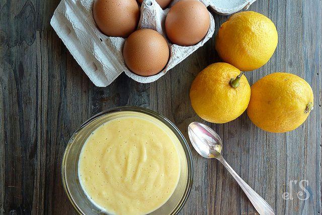Lemon curd à la bergamote > 130g de sucre de canne, 100g de beurre en dés, 4 œufs, le jus et le zeste de 2 petits citrons corse, le jus et le zeste d'un citron bergamote ou quelques gouttes d'huile essentielle de bergamote