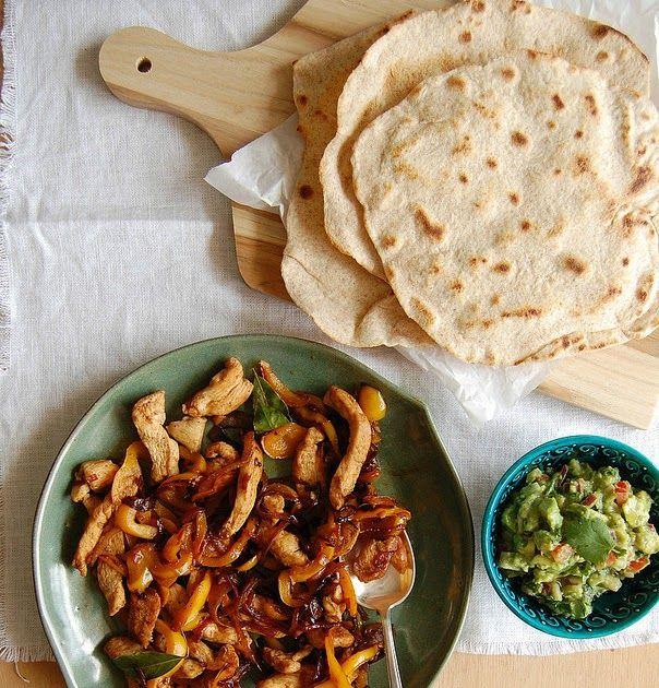 Technicolor Kitchen: Fajitas de frango com tortillas caseiras