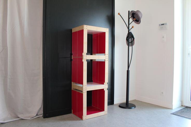 Bibliothèque Fabulem rouge framboise, hall d'entrée