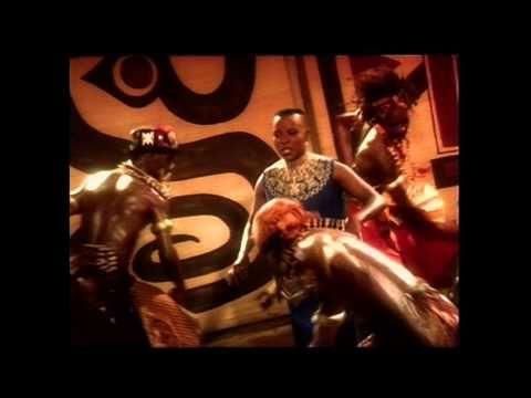 """Angelique Kidjo - """"Wombo Lombo"""" - YouTube"""
