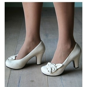 Pinup Shoes (but in Black, please)