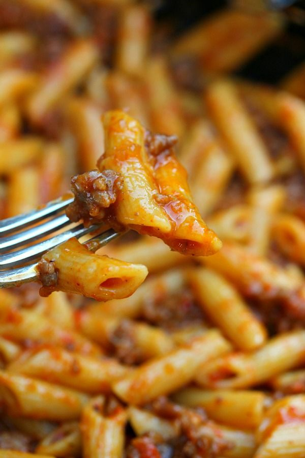 Roasted Red Pepper and Italian Sausage Pasta Recipe ~ It's quick, easy and absolutely addictive.