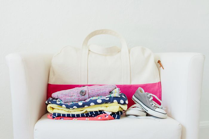 travel handmade: duffle bag pattern review   a giveaway!