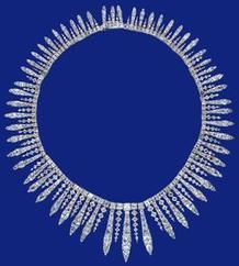 Diamond fringe necklace, first half, 19th century was a wedding present to Elizabeth II by Lord Mayor of London, Count of Aldermen, Governor of the Bank of England and others.