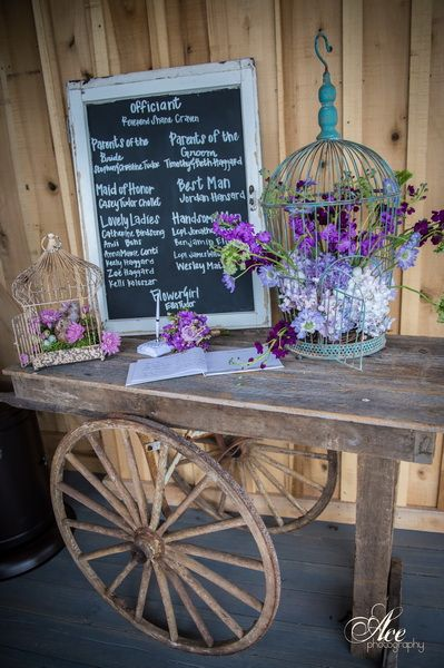 sign in table at Mint Springs Farm Photo by Ace Photography