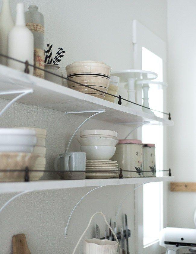 Post: La nueva cocina rústica --> complementos accesorios textiles hogar, decoración de los 80, estilo country británico, estilo country francés, estilo nórdico, estilo rústico renovado, la nueva cocina rústica, muebles de madera maciza, porcelana blanca
