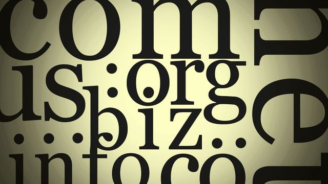 Five Best Domain Name Registrars according to Lifehacker.com