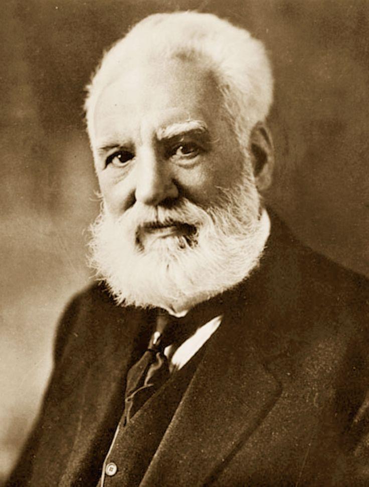 Antonio Meucci (13.4.1808 - 18.10.1889) è stato un inventore, celebre per lo sviluppo di un dispositivo di comunicazione vocale il cosiddetto telettrofono, il primo telefono.