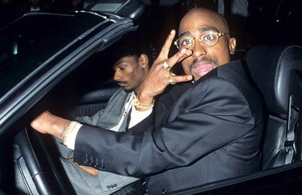 Rare Pics of Biggie & Tupac back in the day!
