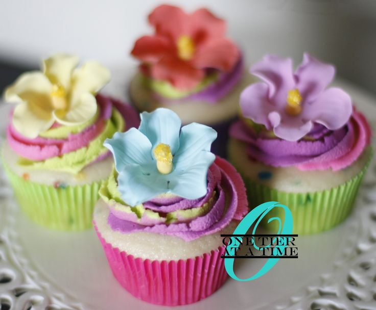 Hawaiian fondant hibiscus tropical luau cupcakes
