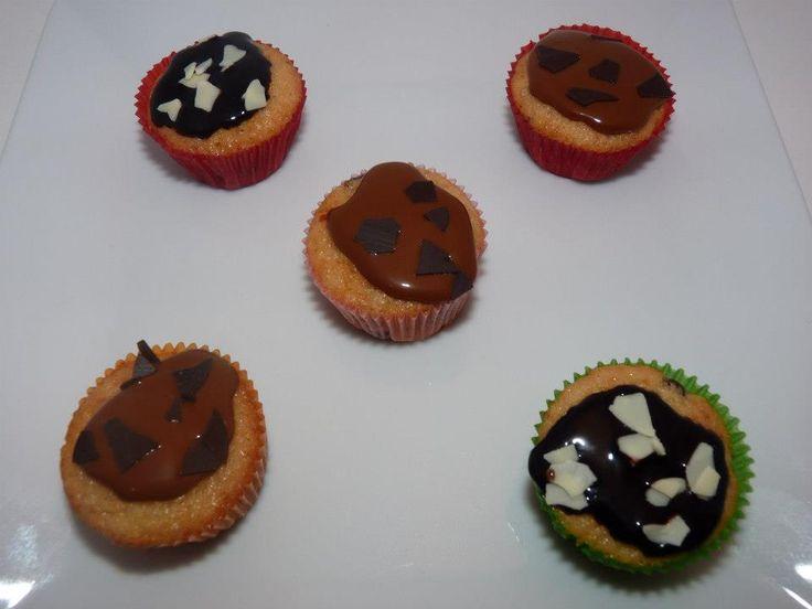 Vista desde arriba de algunas de las minicupcakes mas deliciosas.
