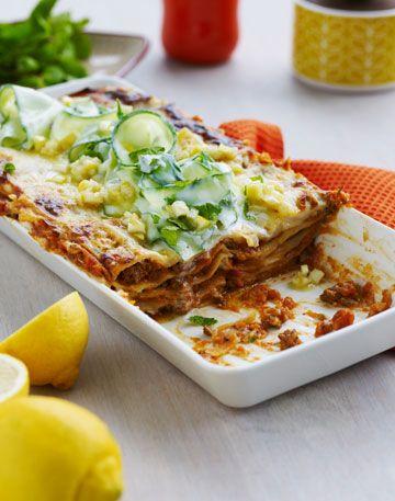 Sund lasagne opskrift med lammekød og salat