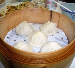 Honey-sesame bao tse, like the ones we get from Khan's Mongolian Barbecue in Minnesota